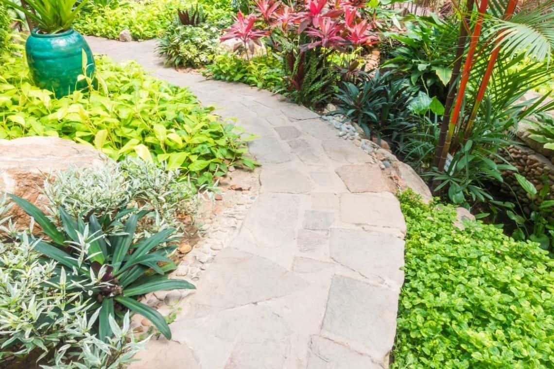 sloping-garden-ideas